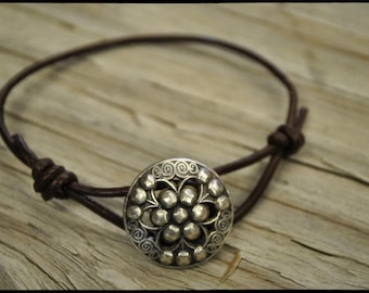 Gorgeous Handmade Leather and Metal silver colored Button Bracelet
