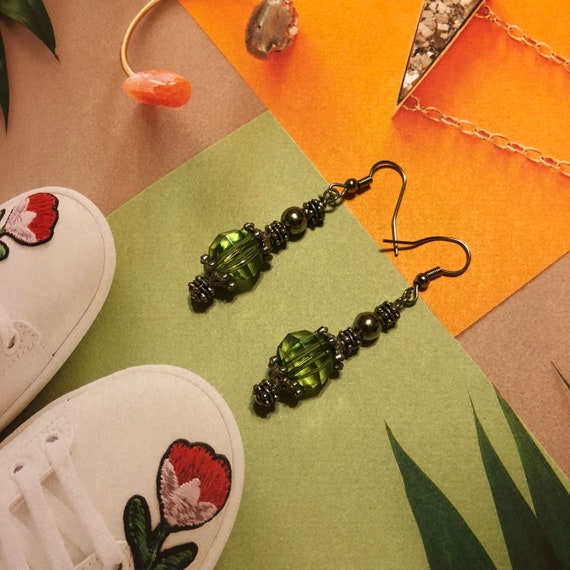 Vintage Green Glass Bead Drop Earring