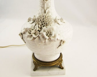 A White-on-white Ceramic Capodimonte Lamp - Hollywood Regency - Marble Base - Finial - Made in Spain With Marble Base - 3-Way Light Switch