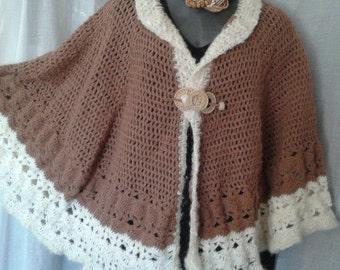 Crochet capelet, foxy, two tone, faux fur CMC 334