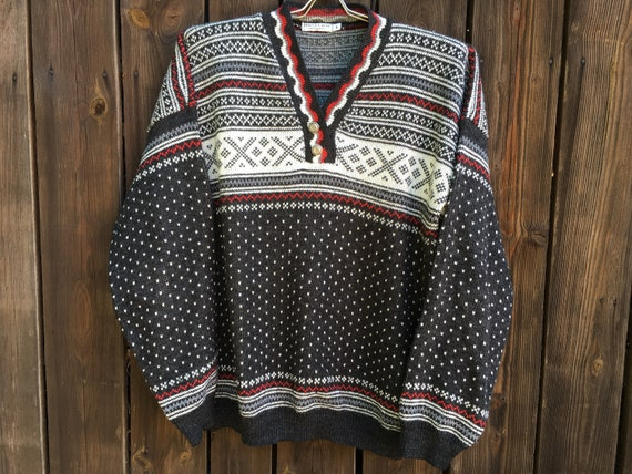 Vintage sweater Scandinavian style Sweater Gray wh