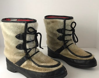 5c4cb354b68f9 Sherpa lined boots | Etsy