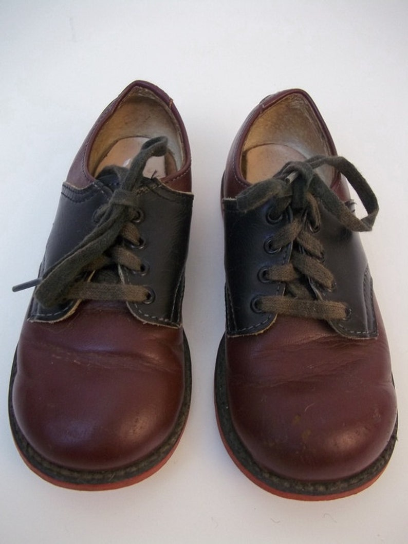 8cadf3a260654 Childrens Vintage Foot Mate Oxblood and Black Leather Saddle Shoes Size 7  1/2D