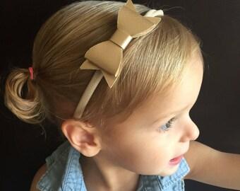 Gold bow headband.Baby Bow..Bow Headband..Baby Girl Headband..Gold Bow Headband..Baby Headband..Toddler Headband..Infant Headband.. Baby