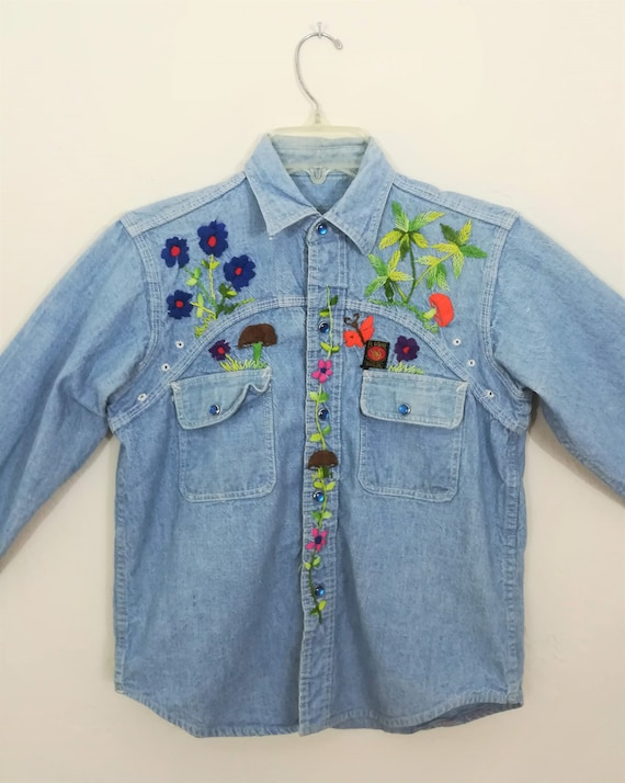 Vintage hand-embroidered denim chambray shirt    S