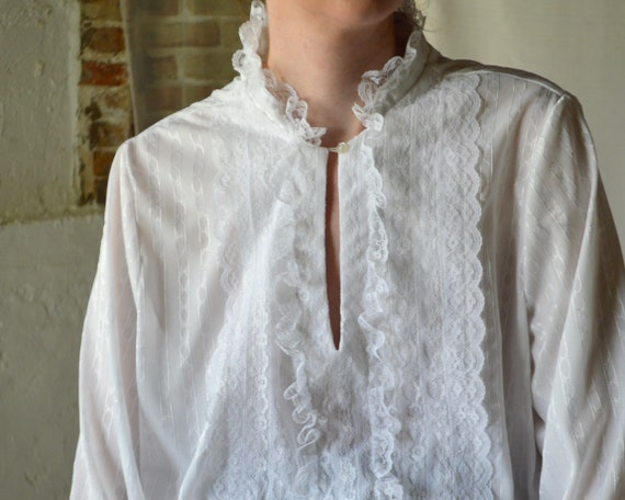 white lace drawstring waist blouse / romantic whi… - image 4