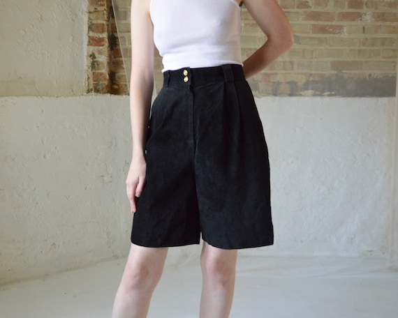 black suede pleated bermuda shorts / 29w