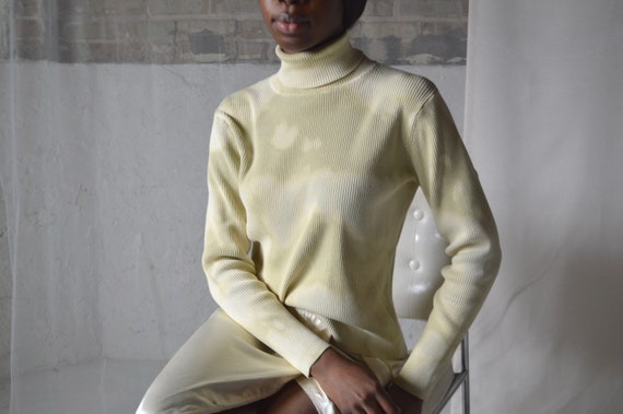 pale green ribbed knit tie dye bleach turtleneck