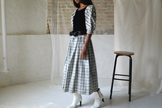 puff sleeve velvet party dress / small