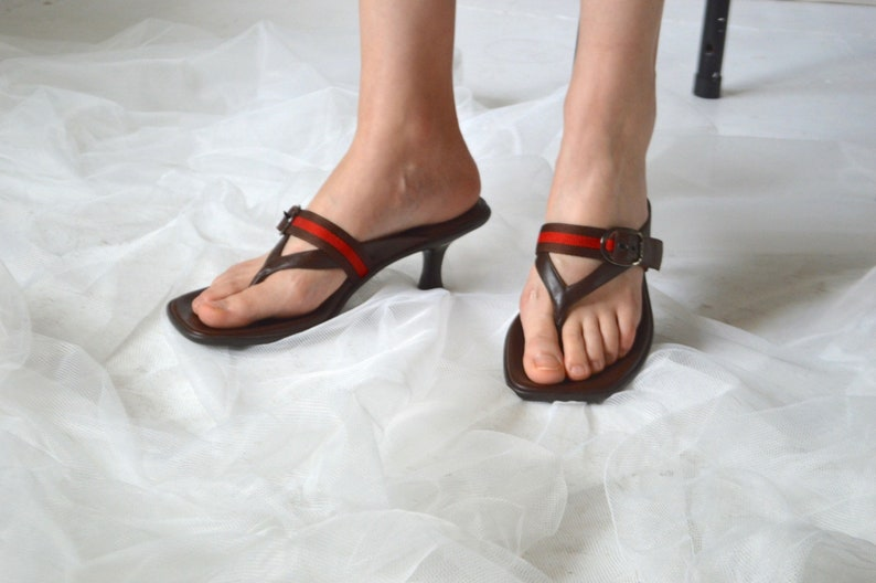 4c354e1126b11 square toe kitten heel thong leather sandals