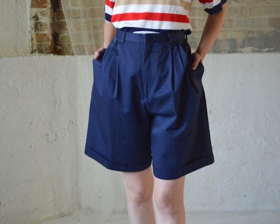 pleated navy bermuda shorts / 31w