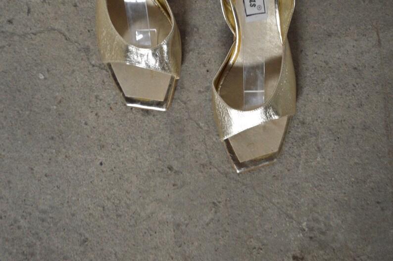 fe718838ad52e vintage gold square toe sandals / leather sandals / summer / wedding / low  heel sandal / kitten heel / 6
