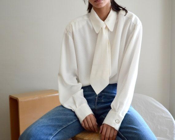 white satin necktie blouse / checkered damask