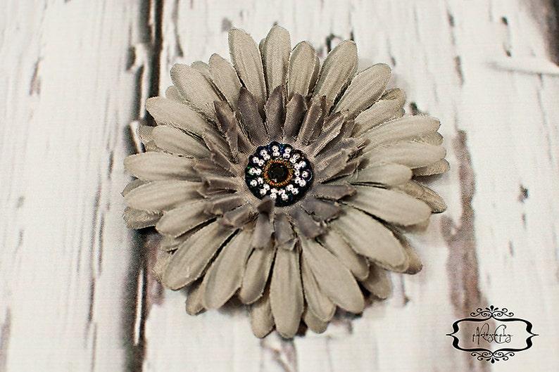 Grey Daisy Flower Hair Clip / Hair Clip / Baby Hair Clip / image 0