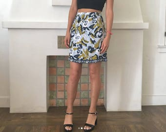 VTG 1990s GUESS Collection Mod Psychedelic Floral Printed Miniskirt