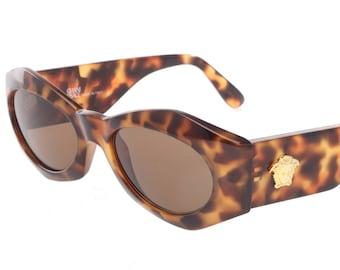 93175f24a0a92a Gianni Versace Mod. 422 classy tortoise sunglasses with golden Medusa  details, NOS 1990s