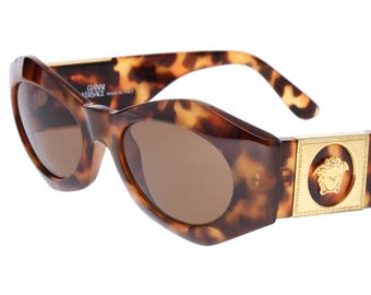 59883dde83aa1 Gianni Versace Medusa Mod. 422 rare C var. tortoise cello superstars medusa  sunglasses