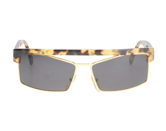 965fa492375 Gianni Versace vintage squared flat top havana   gold sunglasses hand made  in Italy