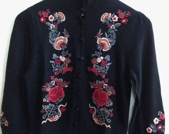 Vintage 1990s Embroidered Cardigan Sweater/ Nanette Lepore / Size S