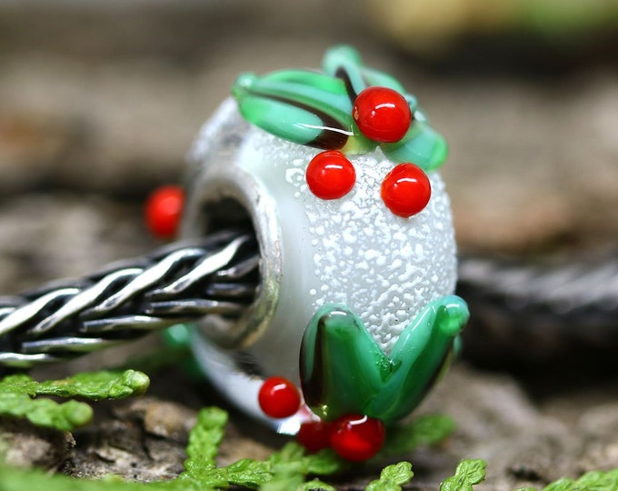 Holly berries European style bracelet charm, Christmas holiday jewelry, Lampwork large hole bead