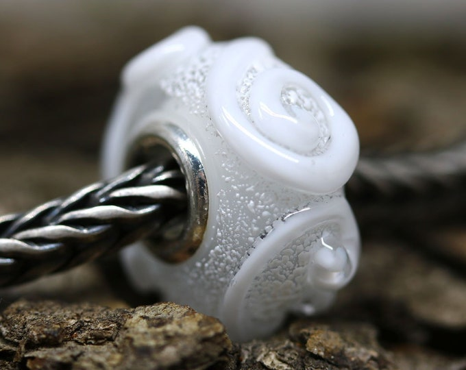 Snow white European style bracelet charm, Sterling silver, Crystal clear Lampwork large hole bead with swirls