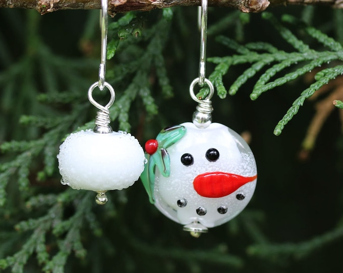 Mismatched Christmas earrings, Snowman and snowball earrings, Festive holiday Handmade lampwork glass Christmas jewelry gift
