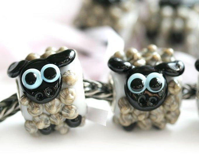 1pc Gray Sheep charm, European style bracelet bead, Sheep jewelry, Cute animal Large hole handmade lampwork glass bead European bracelet