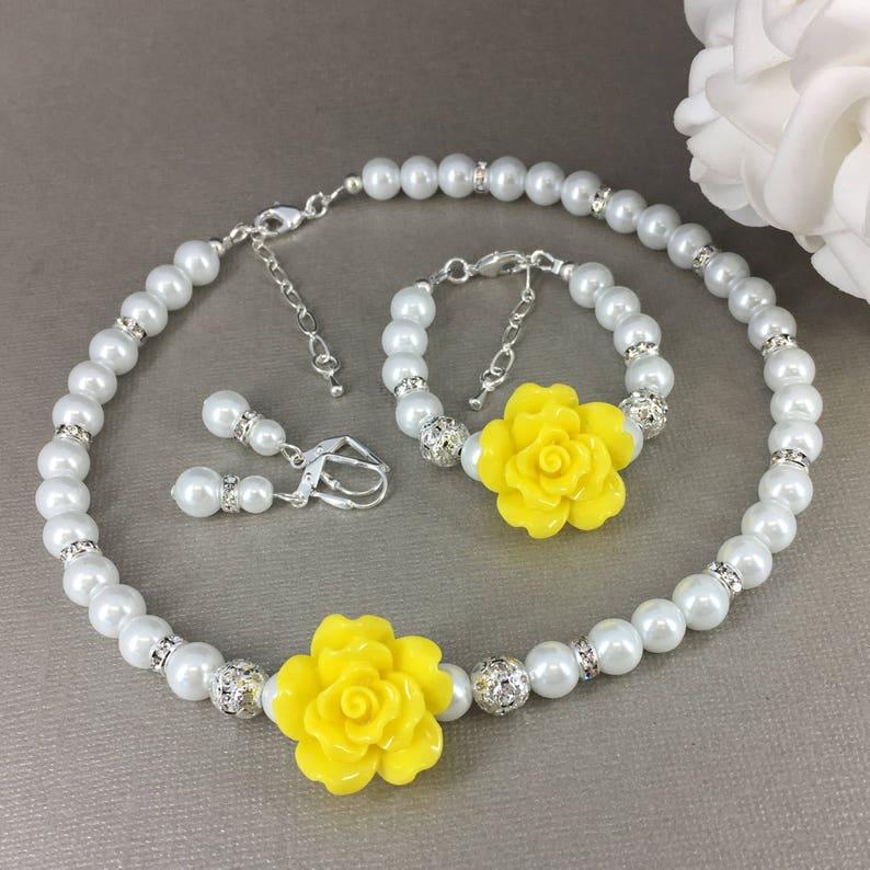 Gift for Flower Girl Wedding Jewelry Gift Idea Gift for Girl Yellow Flower Necklace Summer Wedding Flower Jewelry Set Pearl Jewelry Set
