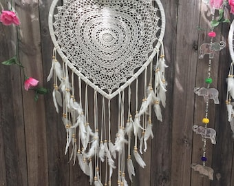 Bohemian weddings heartshape dreamcatcher