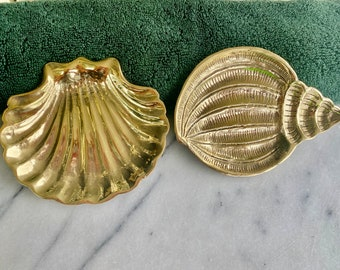 Brass shell soap dishes