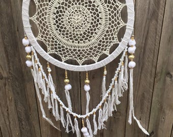 Pompom white dreamcatcher