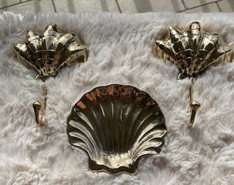 Brass clamshell set. 2 x hooks 1x dish