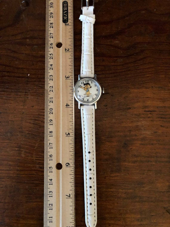 Peanuts Peanuts LUCY Watch Shultz Second Hand Move