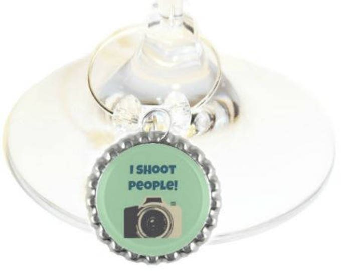 Photographer Wine Glass Charm - I Shoot People