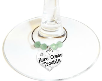 Wine Charm - Here Come Trouble, 1 pack complete with gift bag