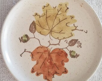 Poppytrail Woodland Gold bread plate by Metlox 1959-1979 made in California sold individually