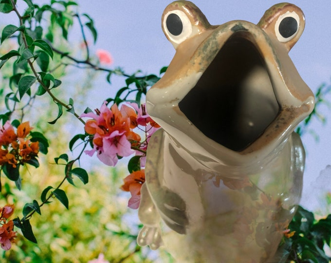 Vintage Pottery | Green Frog Garden Statue