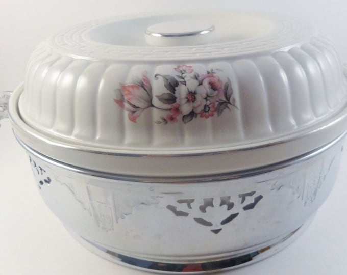 Hall China | Covered Casserole Dish and Stand