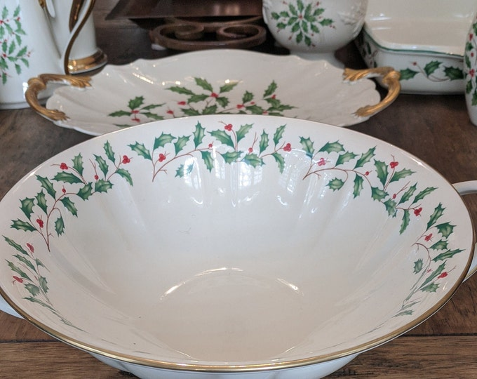 Lenox Dimensions Holiday Collection | Christmas Holly Berry | Pedestal Bowl | Centerpiece Compote Bowl