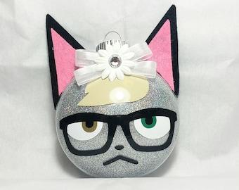 Animal Crossing - Raymond - Holiday Ornament Gift
