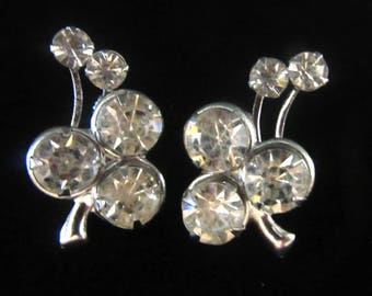 Crystal rhinestone clover shaped vintage screw on earrings in silvertone setting - Bride - Wedding - Prom sparkle!! - Free U.S. Shipping