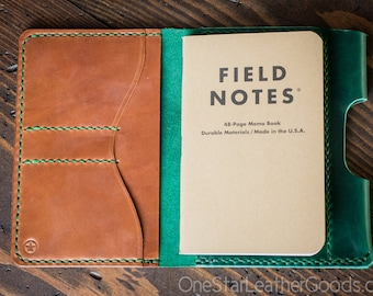 "Field Notes wallet with pen sleeve ""Park Sloper Senior"" Horween Chromexcel leather (fully stitched top) - green / chestnut"