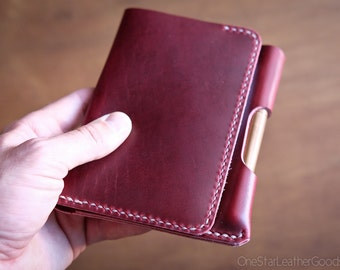 "Field Notes wallet with pen sleeve ""Park Sloper Senior"" Horween Chromexcel leather - red / tan /stitched natural"