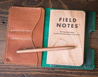 "Field Notes wallet with pen sleeve ""Park Sloper Senior"" Horween Chromexcel leather - green / chestnut"