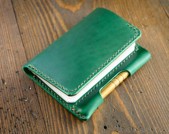 "Notebook/wallet/pen, ""Park Sloper Medium"" - Horween Chromexcel bright green / textured tan"