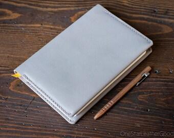 Baron Fig Confidant Flagship (A5) Notebook and cover (fountain pen friendly) - grey Horween latigo leather