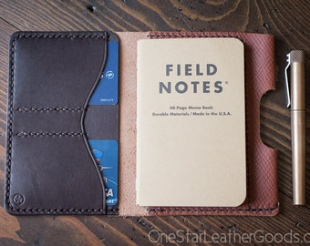 "Field Notes wallet with pen sleeve ""Park Sloper Senior"" Horween leather - crosshatch / brown"