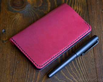 "Notebook wallet ""Park Sloper No Pen,"" fits Field Notes and other notebooks - Horween leather - magenta / black"