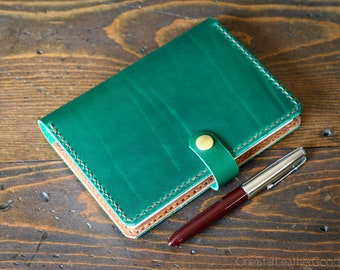 Leather cover for A6 sized softcover notebooks - Hobonichi, Midori, Muji, Apica & more - (+snap) green / textured tan