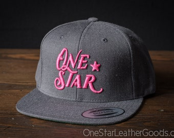 One Star Leather Goods Hat - 3D puff embroidered - grey / pink